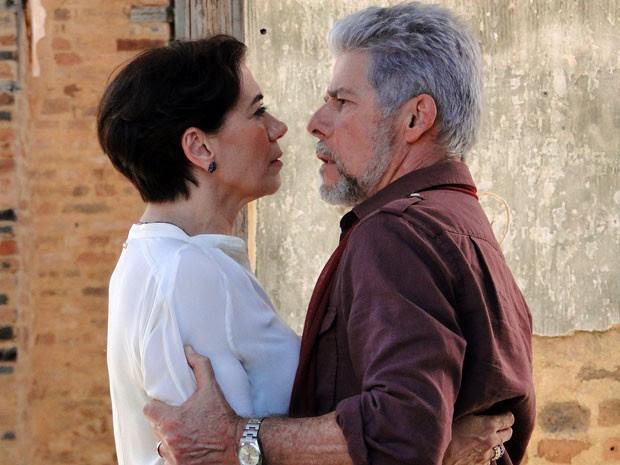 Esses dois têm muita coisa para acertar (Foto: TV Globo/Saramandaia)