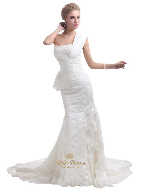 Ivory Lace Applique One Shoulder Mermaid Wedding Dress