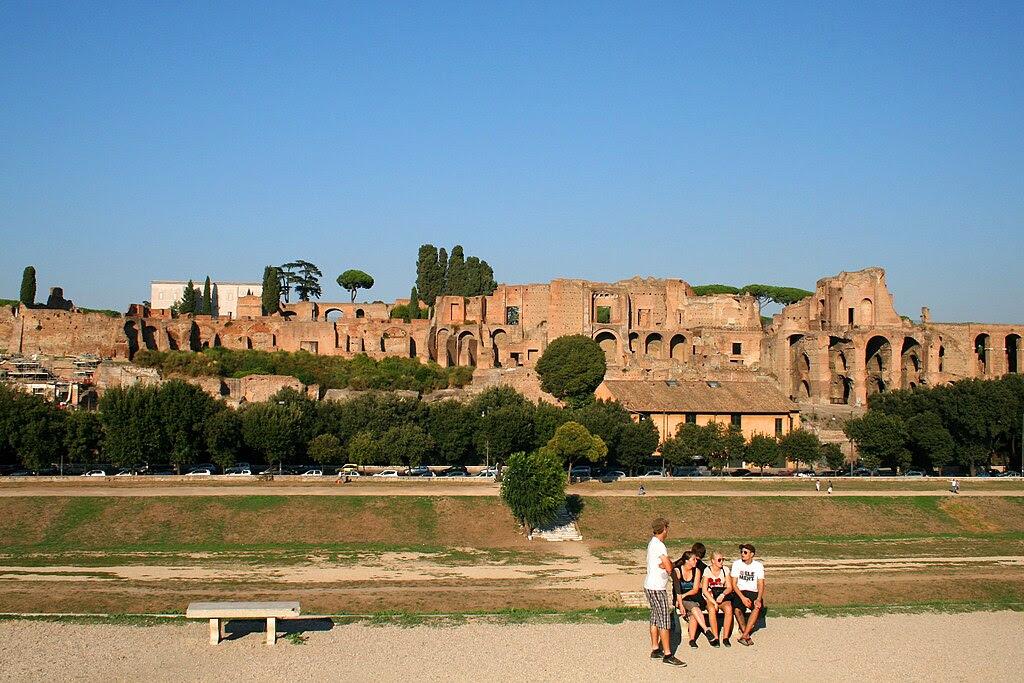 Circus Maximus et Domus Augustana - Rome 111001.JPG
