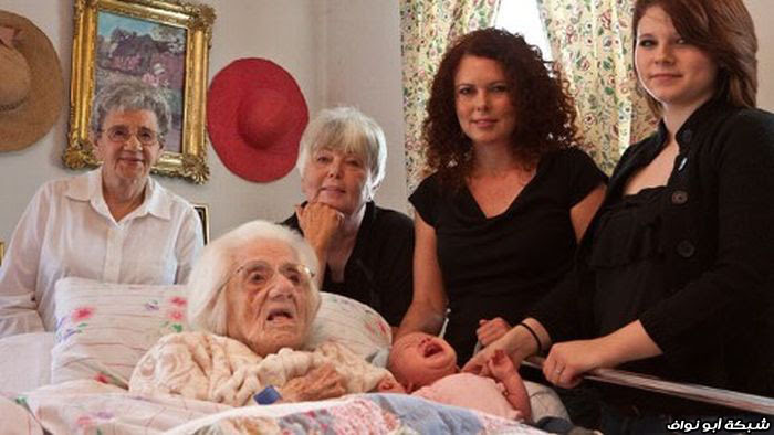 6 أجيال : مولودة تشاهد جدة جدة أمها