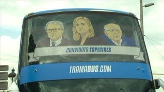 Imatges de Pujol Ferrusola, Cristina de Borbó i Fèlix Millet al frontal de l'autobús
