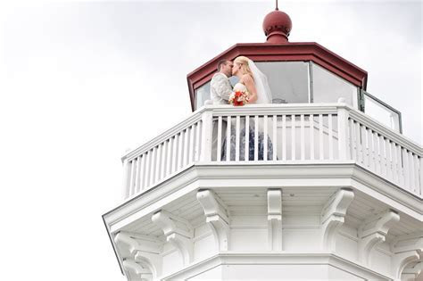 Mukilteo lighthouse wedding: Wedding ceremony locations