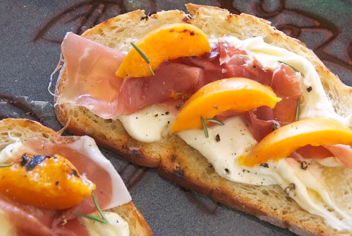 Grilled Apricot, Mascarpone, and Prosciutto Toasts