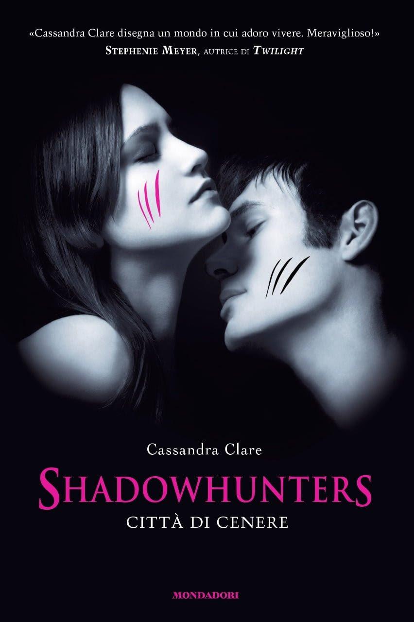 http://www.amazon.it/Shadowhunters-Citt%C3%A0-cenere-Cassandra-Clare/dp/8804601728/ref=sr_1_1?ie=UTF8&qid=1409387564&sr=8-1&keywords=citt%C3%A0+di+cenere