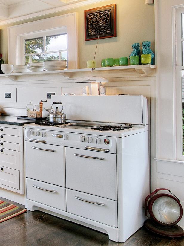 Remodeling Your Kitchen With Salvaged Items | DIY