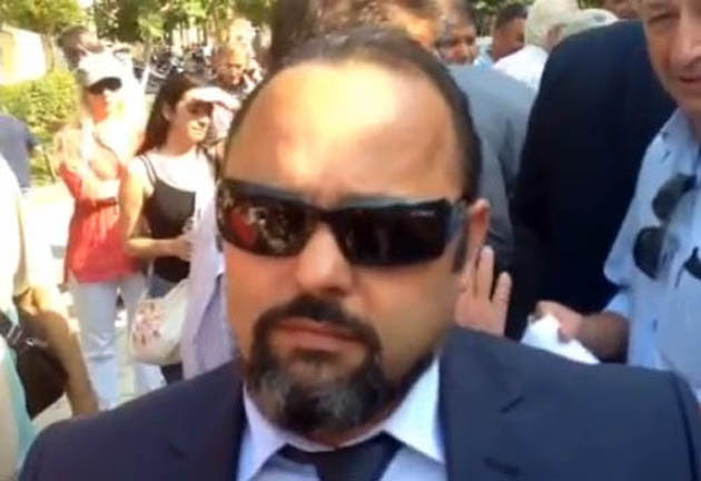 Δεν είναι ο πράκτωρ ...007. Είναι ο Αρτέμιος Σώρρας, κατά φαντασία «τρισεκατομμυριούχος»...