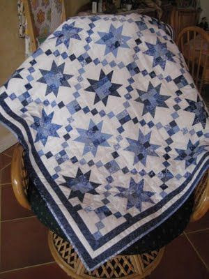 blue and white quilts  trip around stars