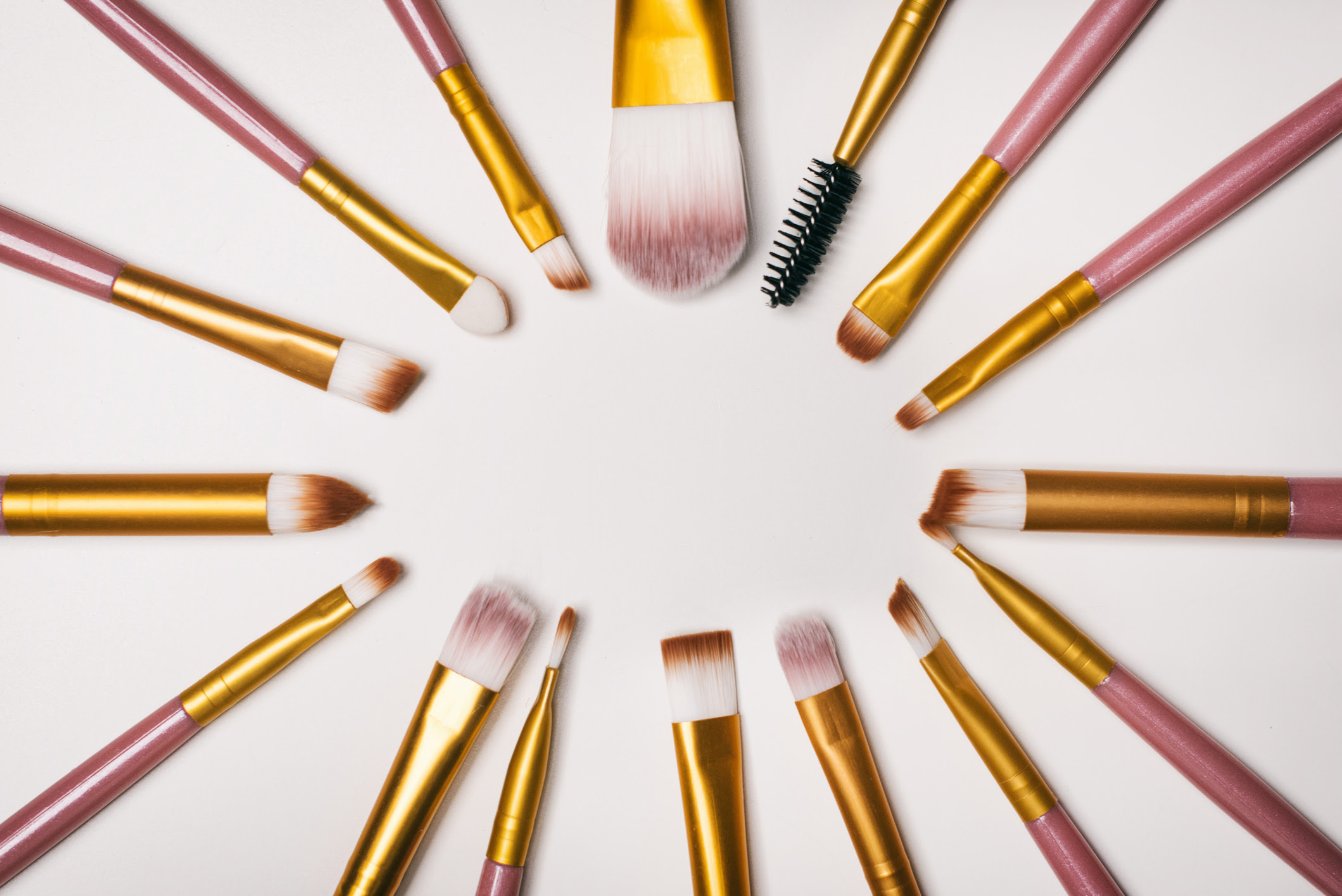 Cheap Makeup Brushes: 7 Best (& Affordable) Brushes | WHO ...