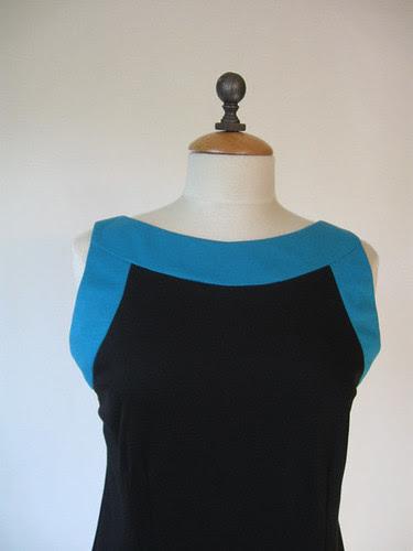 Black color block dress front close