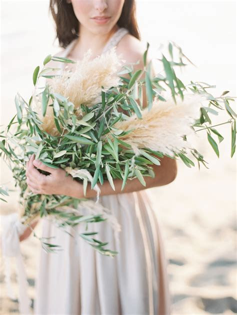 Trending: 20 Coolest Ideas to Feature Pampas Grass in Your