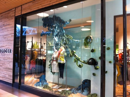 anthropologie-window-display-2