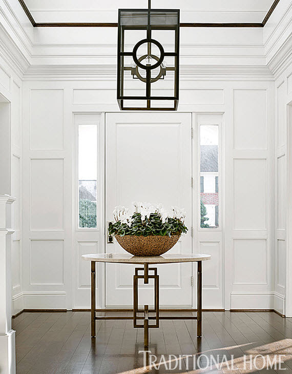 traditional foyer with round table // Bradshaw Orrell