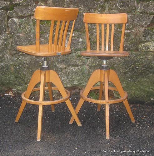 """Deux chaises de bureau...Sièges Ergonomiques SEDUS, tournantes et réglables, d'atelier, dessinateur/architecte, """"SEDUS"""". Germany. XX ème. by Verre Antique Glass Antiquités du Sud"""
