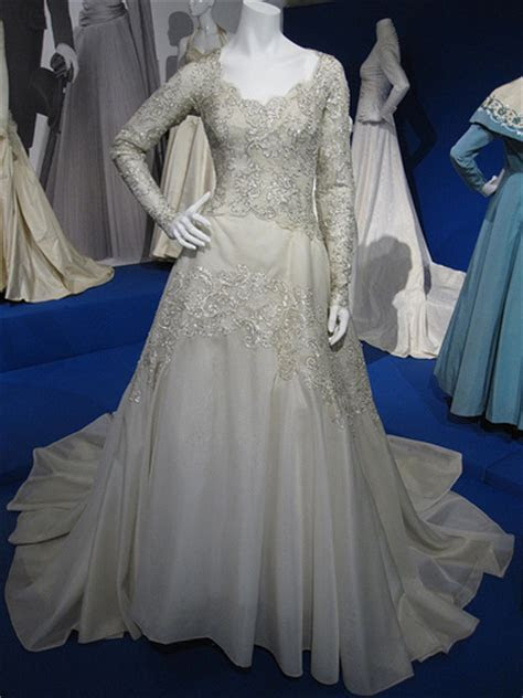 Exhibition Review: Hartnell to Amies: Couture By Royal