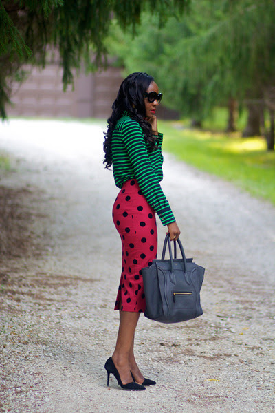 Green-jcrew-shirt-gray-celine-purse-black-prada-sunglasses_400