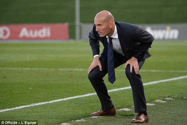 Zidane watches down the touchline during a Real Madrid Castilla match in Segunda 2