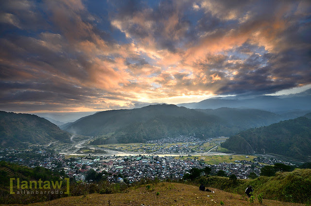 Sunrise over the town of Bontoc