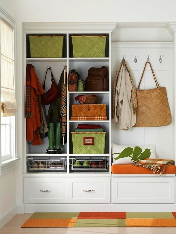 Room of the Day: Organized Entryway Does-It-All | HomeJelly