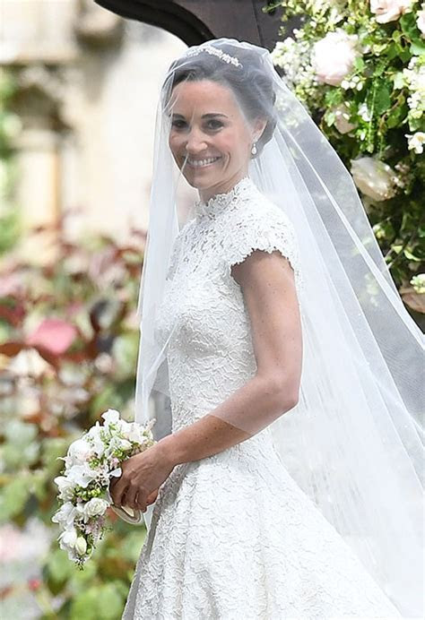 Pippa Middleton?s incredible floor length bridal gown by