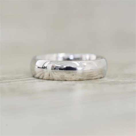 6mm Low Dome High Polished Band in Platinum