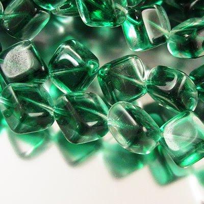 erd0128emr Glass - 9 mm Dancing Rectangle - Crystal Emerald (1)