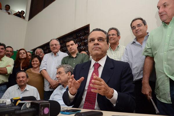 Henrique Eduardo e Garibaldi Filho participam da reunião da Executiva Estadual do PMDB