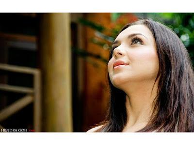 Gambar Hot Artis dan Sexy model Indonesia: Niyara Ablayeva