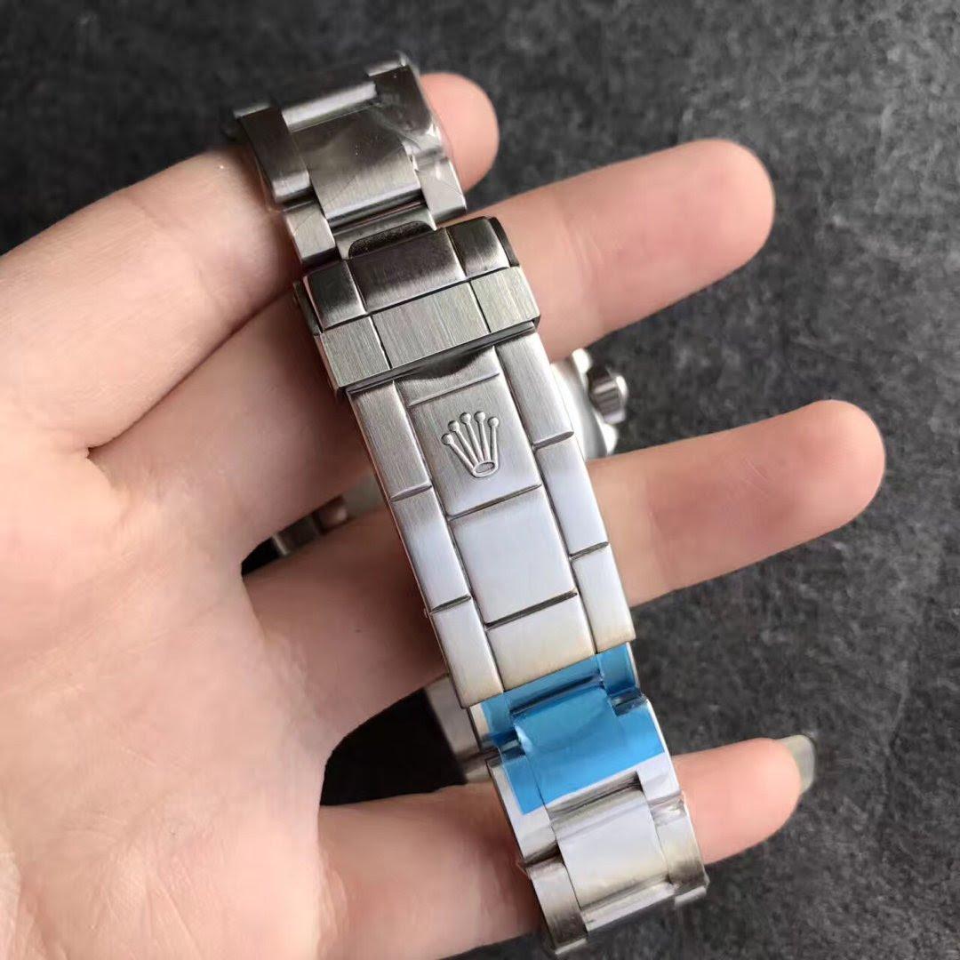 Replica Rolex 16610LV Buckle