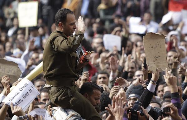 http://mit.zenfs.com/102/2011/01/egypt-army.jpg