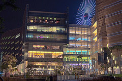 Dream mall at night by Michael Mozzarella on flickr