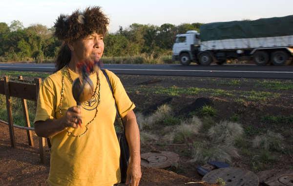 La líder Damiana Cavanha está decidida a permanecer en su territorio ancestral a pesar de las frecuentes amenazas de muerte recibidas.