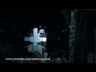 Demonio en el cementerio / Demon at Cemetery