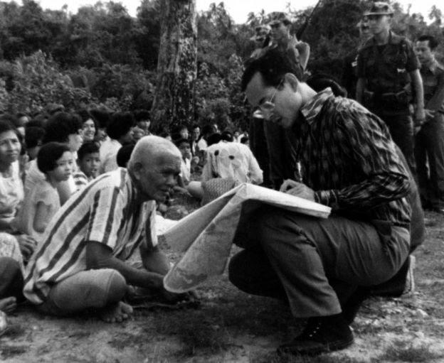 Vua Bhumibol thường thăm những vùng nông thôn