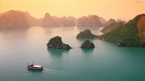 Download Ha Long Bay Wallpapers   Most beautiful places in