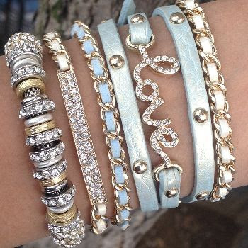 I just fell in love with this store. They have tons of styles of stacked bracelets. Icy Mint | Bracelet | ChichiMe