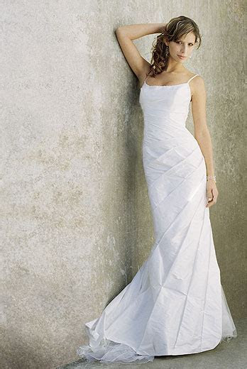 Dawn J's fashion wedding gown: Looking for Designer