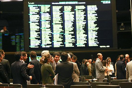 No plenário da Câmara dos Deputados, parlamentares votam Lei de Diretrizes Orçamentárias