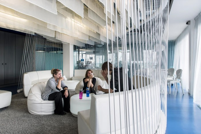 Many non-standard office spaces and collaborative areas such as this lounge can be found throughout the complex.