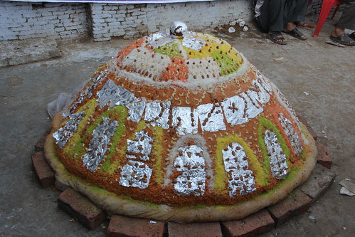 596 kg ladoo for the holy saint by firoze shakir photographerno1