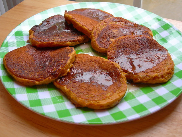 Pumpkin Gingerbread Pancakes (vegan, gluten free)