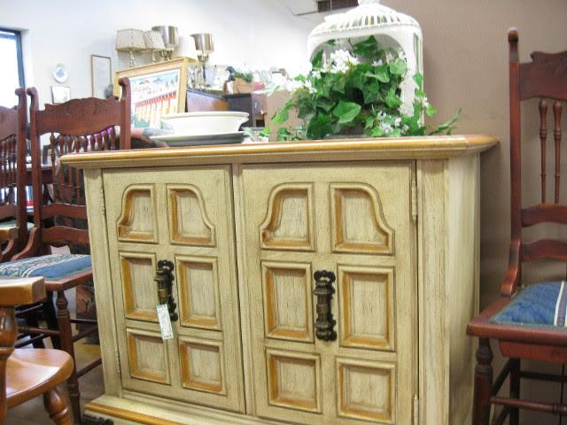 Consignment Shop Austin Tx Resale Shop And Antique Store Austin Tx