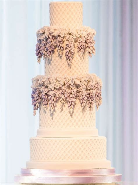 30 Most Luxurious Wedding Cakes You Will Love   MODwedding