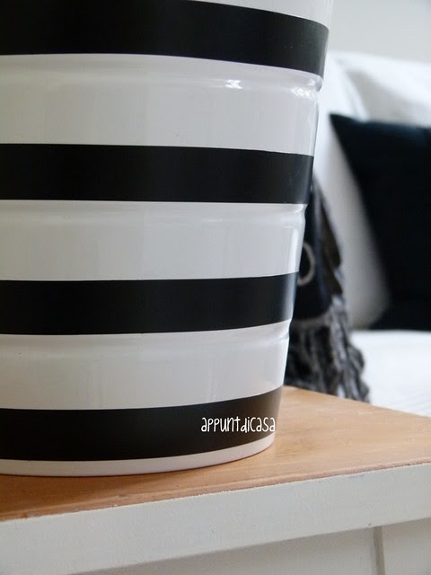 DIY black&white jar