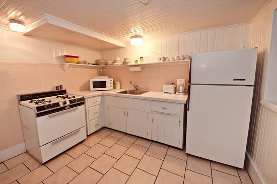 the Ground Level suite kitchen - Picture of Lankford Hotel, Ocean
