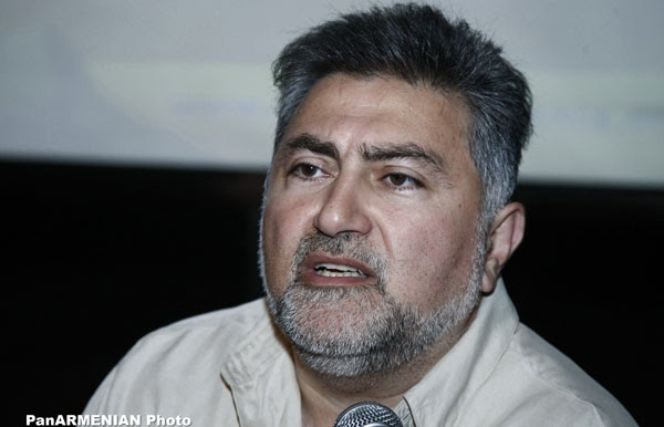 http://www.aravot.am/wp-content/uploads/2012/11/Ara-Papyan.jpg