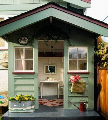lots  cute playhouse ideas laurenhl haus bemalen
