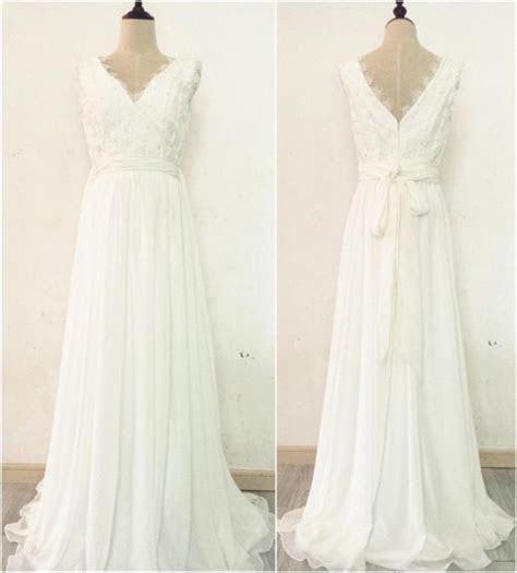 2016 Boho Wedding Dress Scalloped V neck And V back Lace