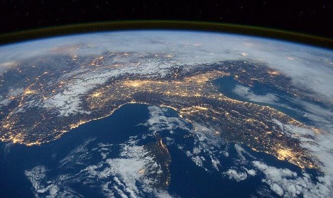 Марк Голд намерен отправить в космос фанатов теории плоской Земли