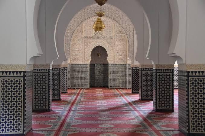 Vivid stylish Customized Made to Measure Mosque Vinyl Flooring Dubai Supply and Installation in Dubai and Abu Dhabi