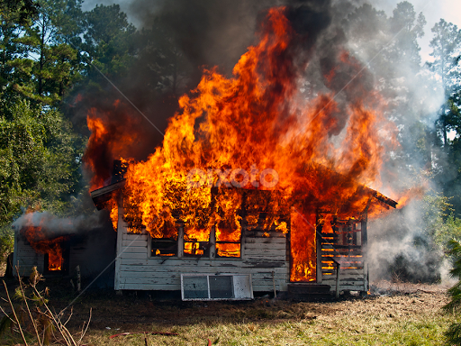 http://www.pixoto.com/images-photography/news-and-events/world-events/fire-house-flames-burn-burningburnt-18752486.jpg
